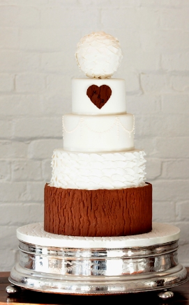rustic romance wedding cake